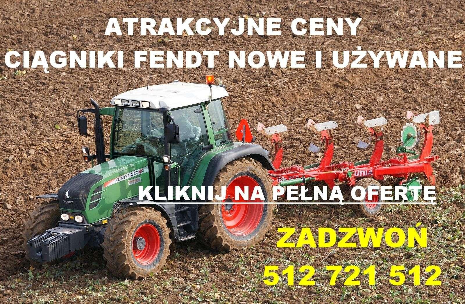 Reklama atrakcyjne ceny ciagniki Fendt biały napis na tle ciagnika Fendt podczas pracy w polu