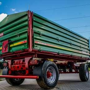 Przyczepa rolnicza DBL 12, dwuosiowa o ładowności 12 ton, trójstronny obrót
