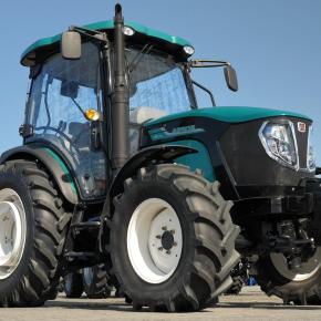 Szybki i zwinny traktor Arbos 3075