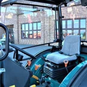 Komfortowa kabina w maszynie specjalistycznej arbos 3050