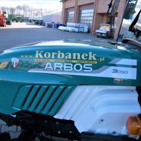 Maska ciągnika arbos 3050 z logo korbanek