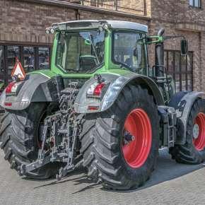 Wielofunkcyjny błotnik w maszynie rolniczej Fendt 900 Vario S4