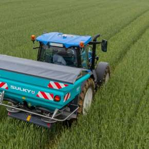 Rozsiewacz nawozów Sulky X40+ w ścieżkach technologicznych