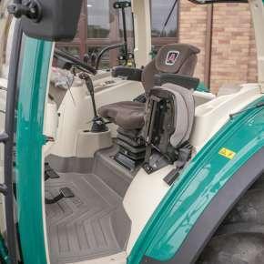 Komfortowe wnętrze maszyny rolniczej arbos 5000 advanced