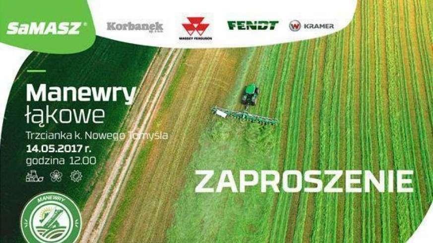 Zaproszenie na manewry łąkowe firmy Samasz i Korbanek w Trzciance widok z lotu ptaka ciągnika z  przetrząsaczem