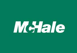 Logo McHale duże na zielonym tle