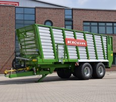 Przyczepa do transporto materiału objetościowego zielonki kiszonki czy sianokiszonki typ HTW  firmy Bergmann