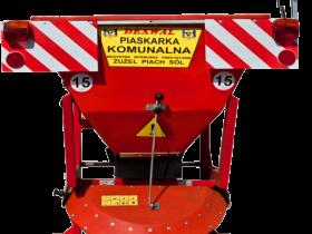 Czerwona Piaskarka Dexwall PK 550 z zamontowanym światłem ostrzegawczym typu kogut