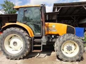 Claas Renault Ares 630 RZ traktor o mocy 135 KM