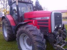 Przód i lewy bok ciągnika rolniczego Massey Ferguson 8150