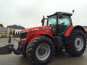 Oferta korbanek.pl  zdjęcie boku ciągnika rolniczego Massey Ferguson 8680