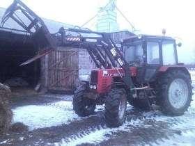 Używany ciągnik rolniczy MTZ 1025 z zamontowanym ładowaczem czołowy Hydramet Tur