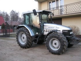 Srebrny używany ciągnik rolniczy Lamborghini Premium 1060