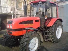 Używany traktor MTZ Belarus 1025.3 z obciążnikiem przednim