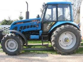Używany niebieski ciągnik rolniczy Pronar 1221 A
