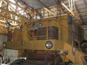 garażowany używany kombajn zbożowy BIZON Z 056 1980 r