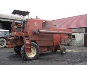używany kombajn zbożowy Bizon Z-056 1978 r kolor czerwony bez kabiny