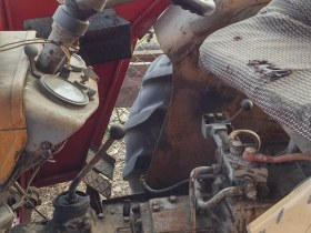 używany ciągnik rolniczy Ursus C330 kabina widoczne ślady zużycia