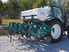 Pielnik Arbos 6-rzędowy do kukurydzy na ramie składanej hydraulicznie z podsiewaczem nawozów
