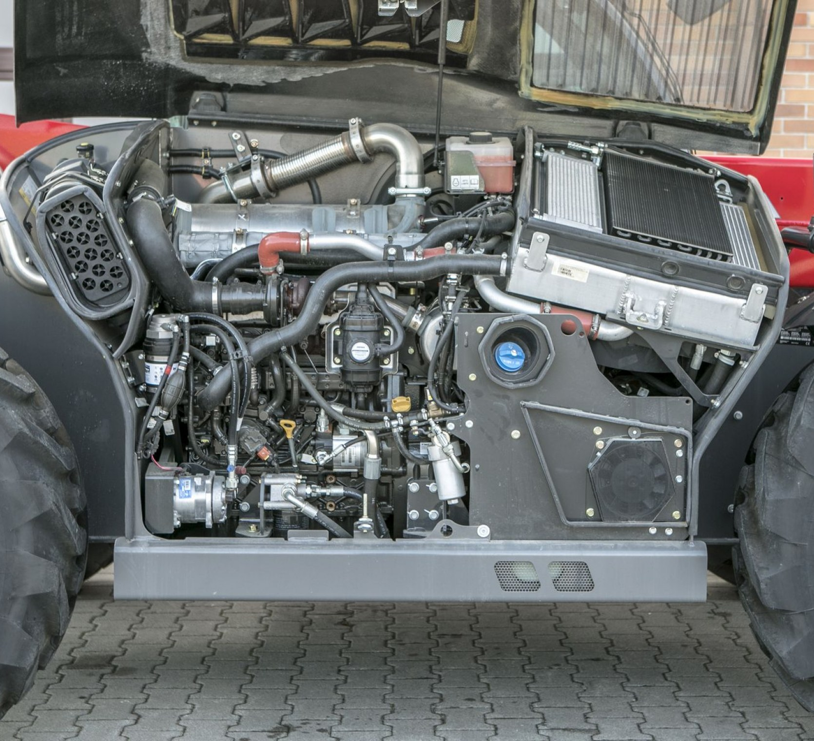 Silnik o mocy 130 KM Tier 4F ładowarki MF model TH 6534 korbanek.pl