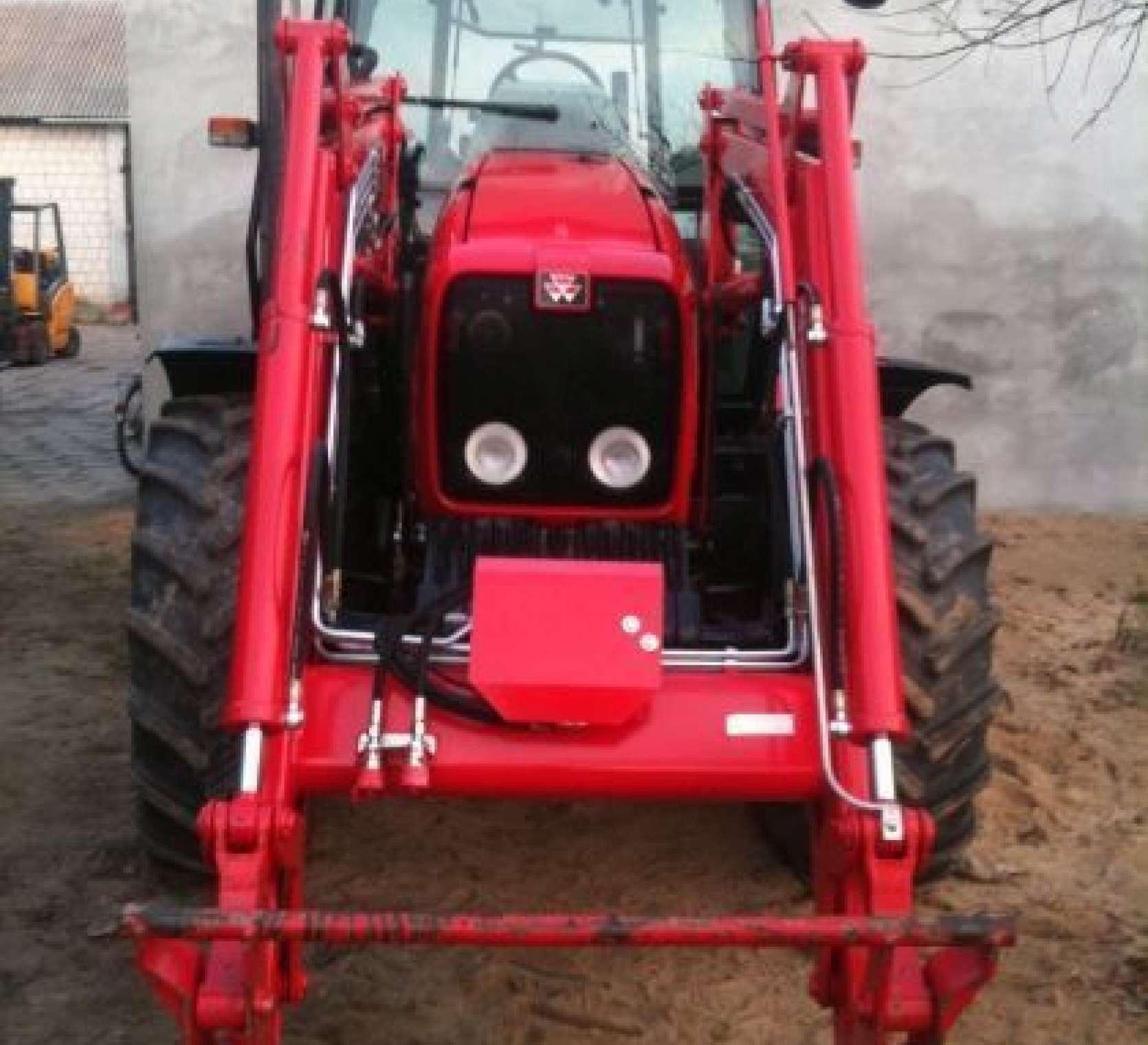 Ładowacz czołowy Ciągnik rolniczy Massey Ferguson 5425 r stary zadbany maszyny rolncize