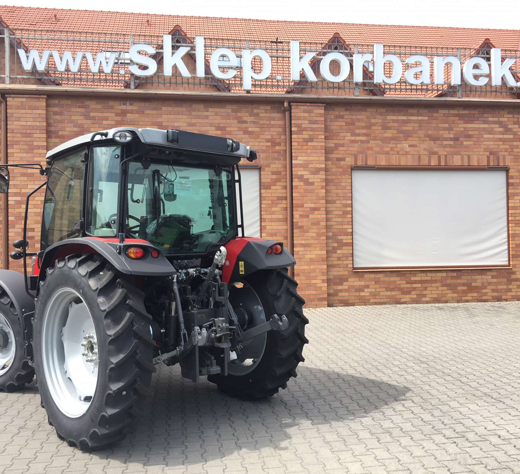 MF 4708 z instalacją pneumatyczną w ofercie korbanek.pl