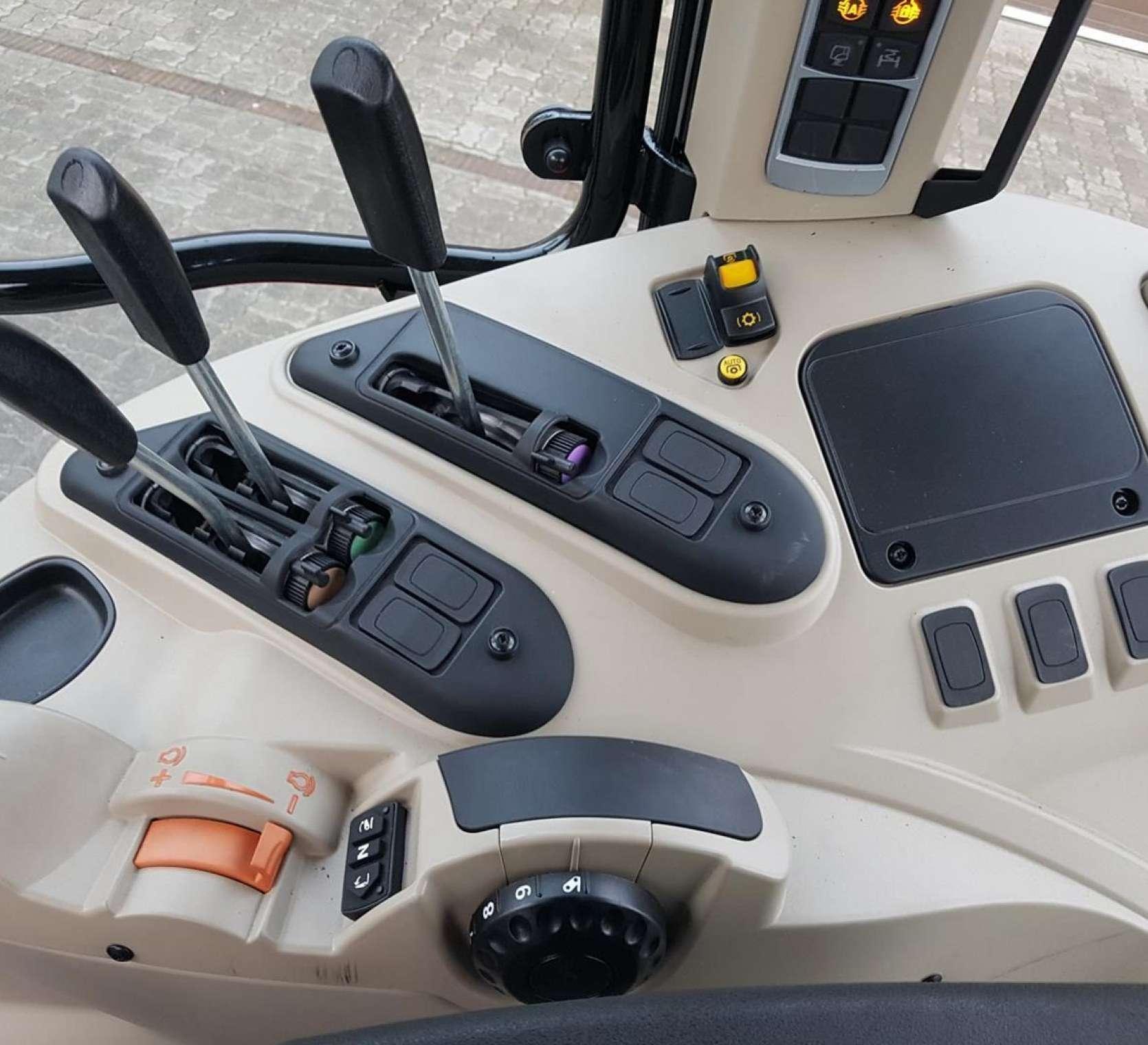 Wszystkie elementy sterujące ciągnikiem rolniczym Massey Ferguson model 5613 w ofercie lprbanek.pl