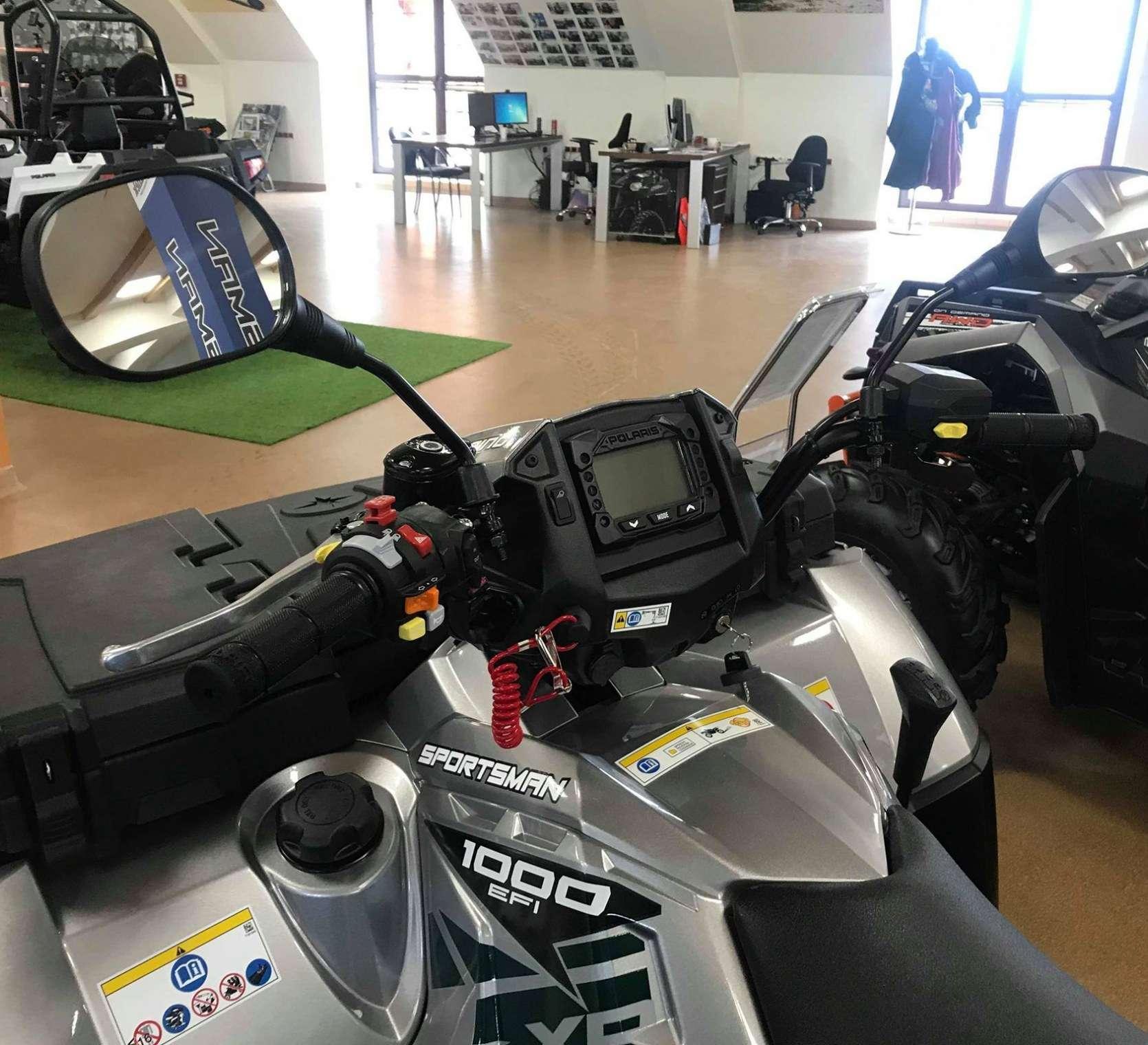 Kierownica i wyświetlacz ciągnika Polaris Sportsman 1000 Touring z oferty www.korbanek.pl