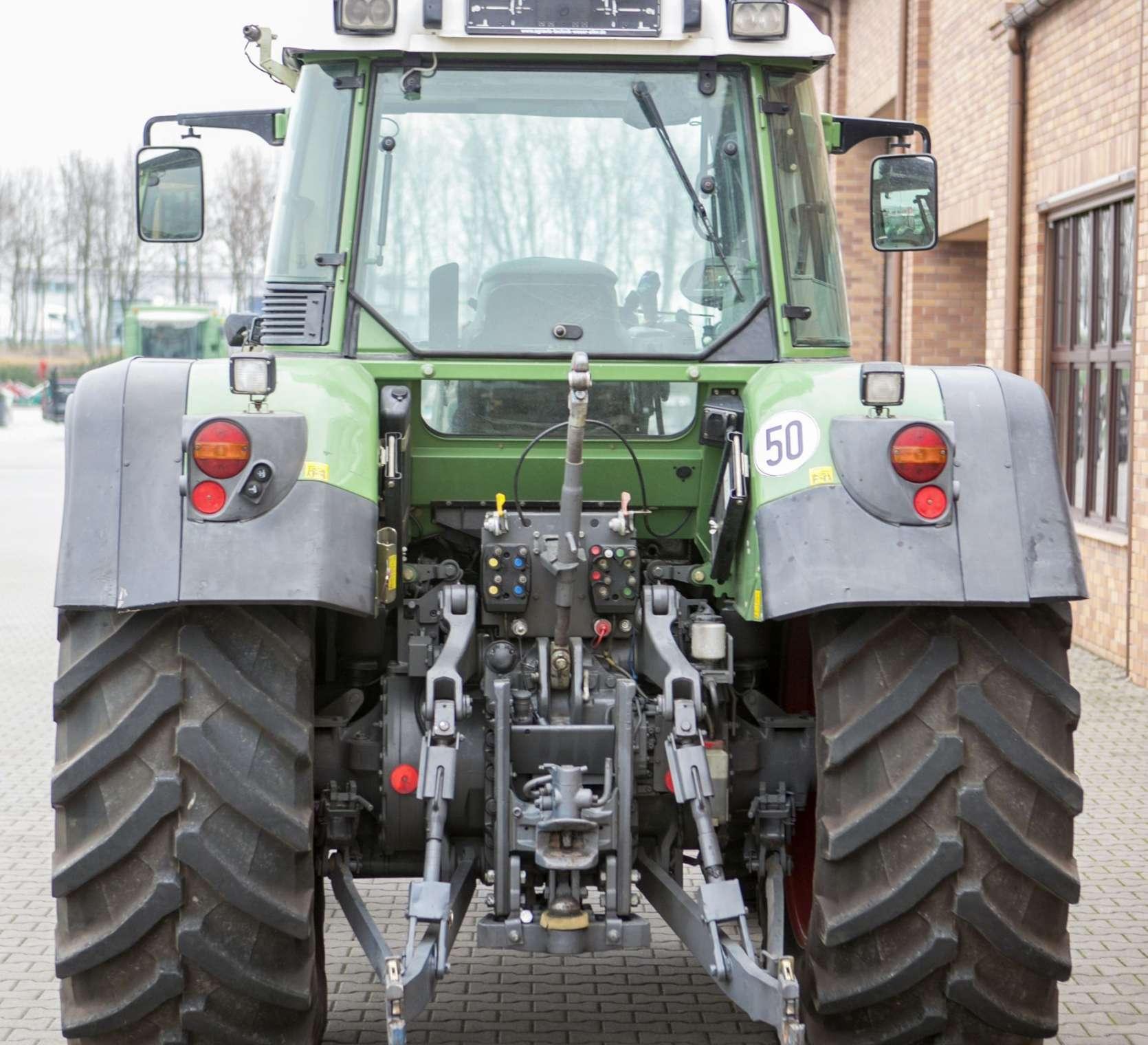 Traktor FENDT  716 Vario, tytlny Wom, tylny TUZ