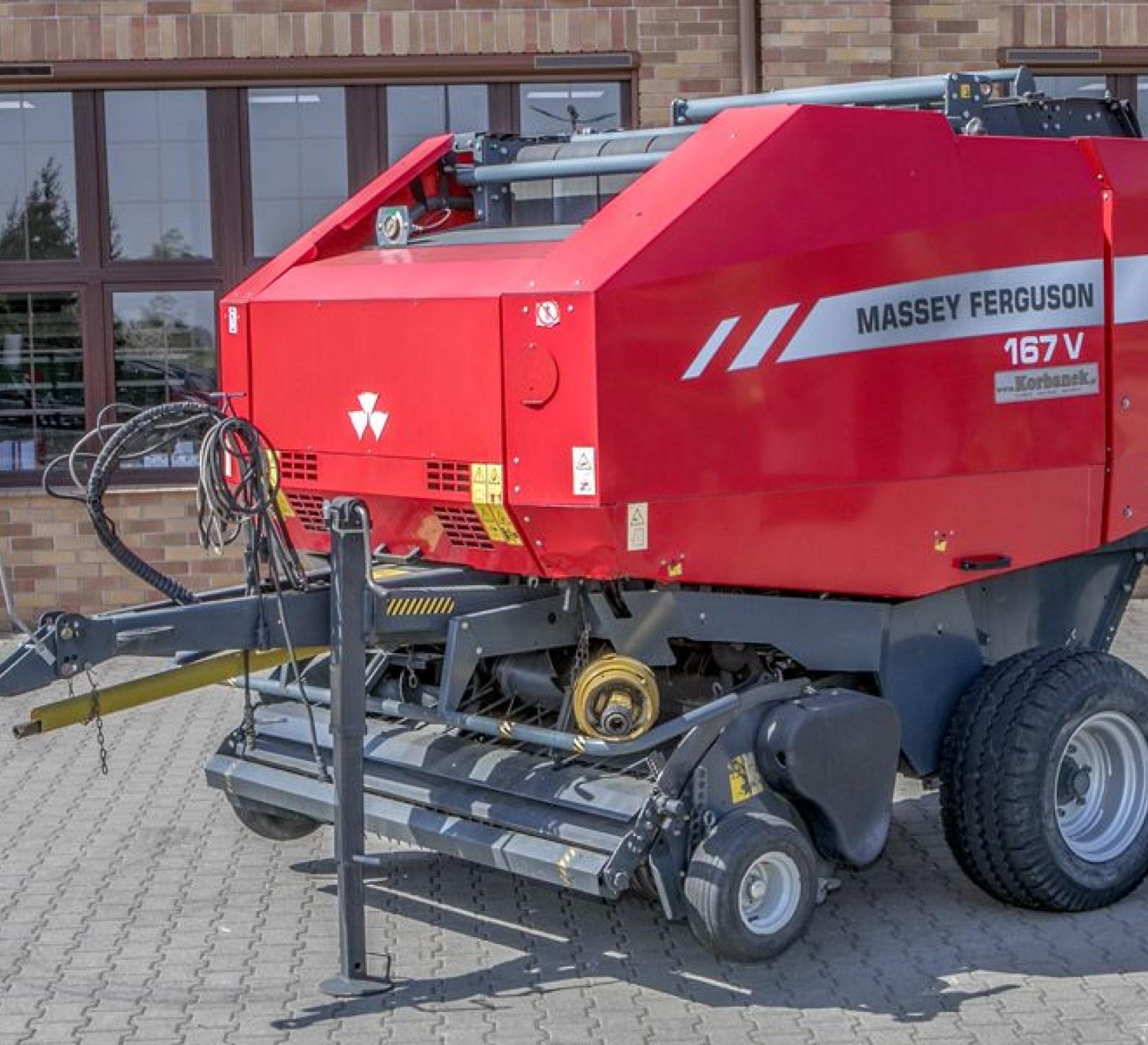 Prasa MF 167 V  używana maszyna z oferty promocyjnej