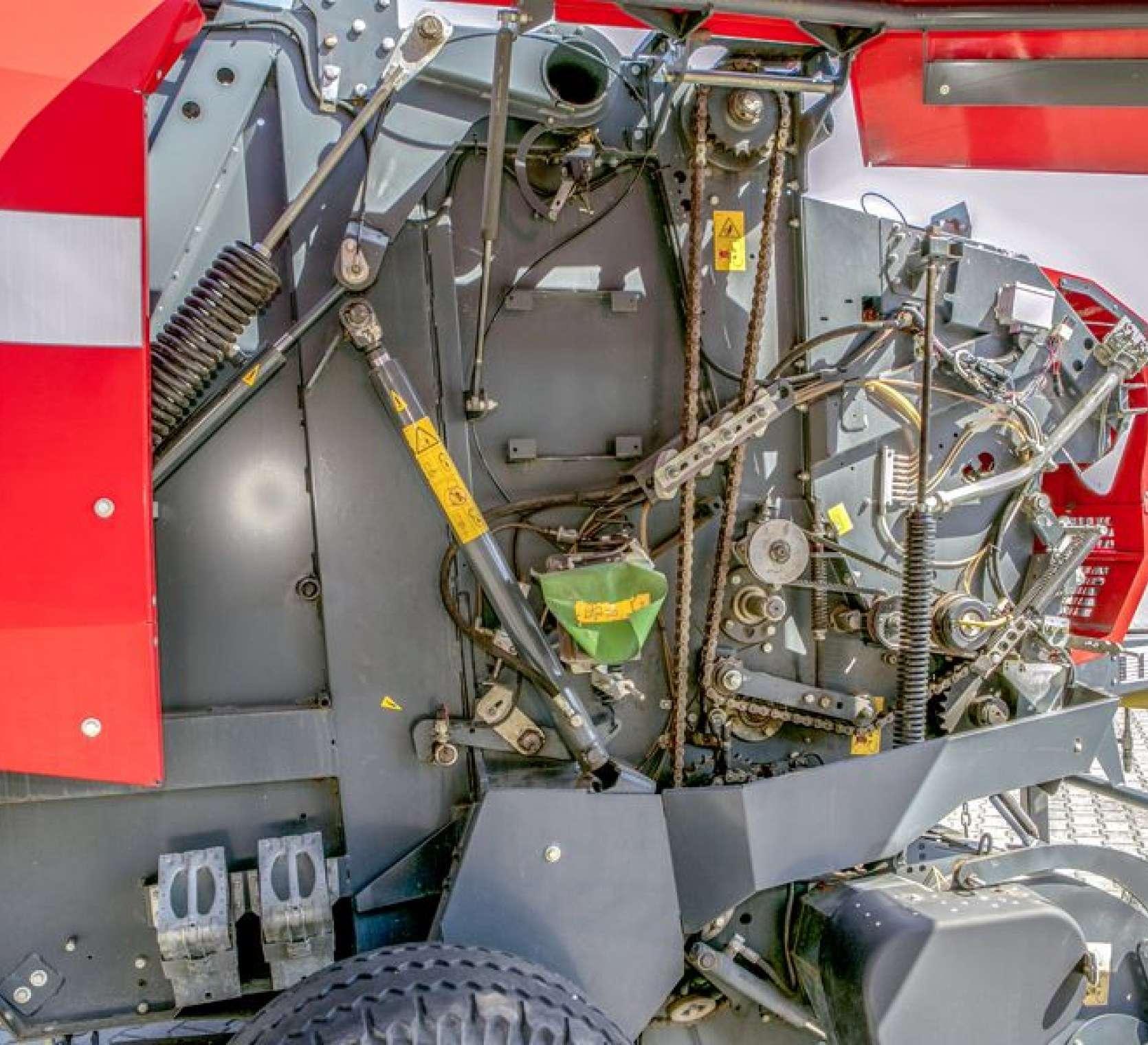 Prasa massey Ferguson 167 V z rotorem wspomagającym