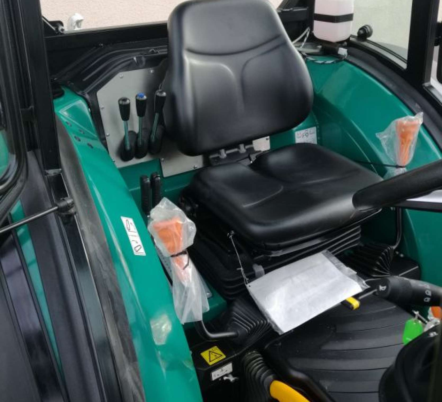 Arbos 4100F jako traktor do ogrodu i sadu to dobra opcja
