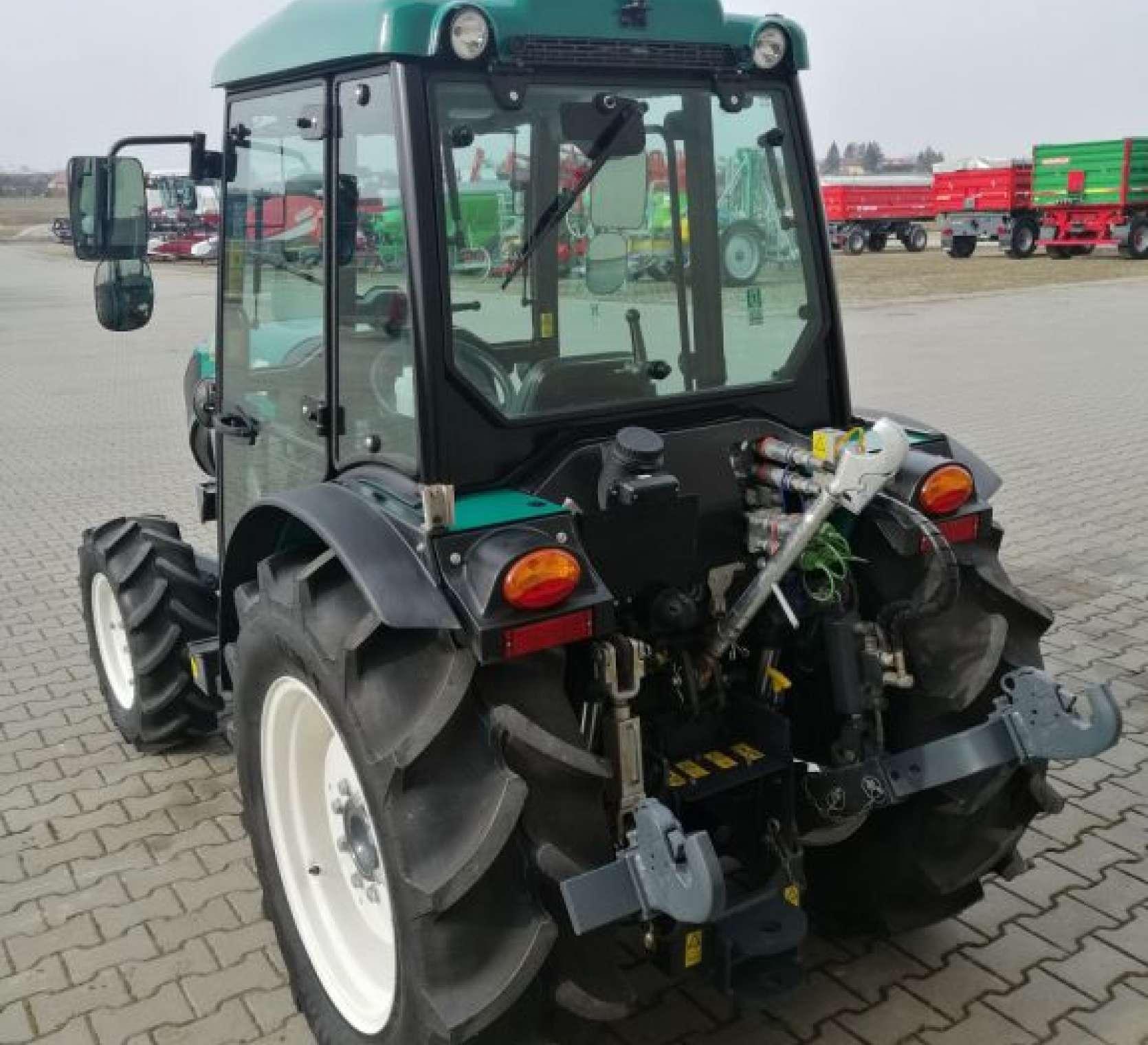 Arbos 4100F jako maszyna do każdego pagórkowatego sadu i ogrodu