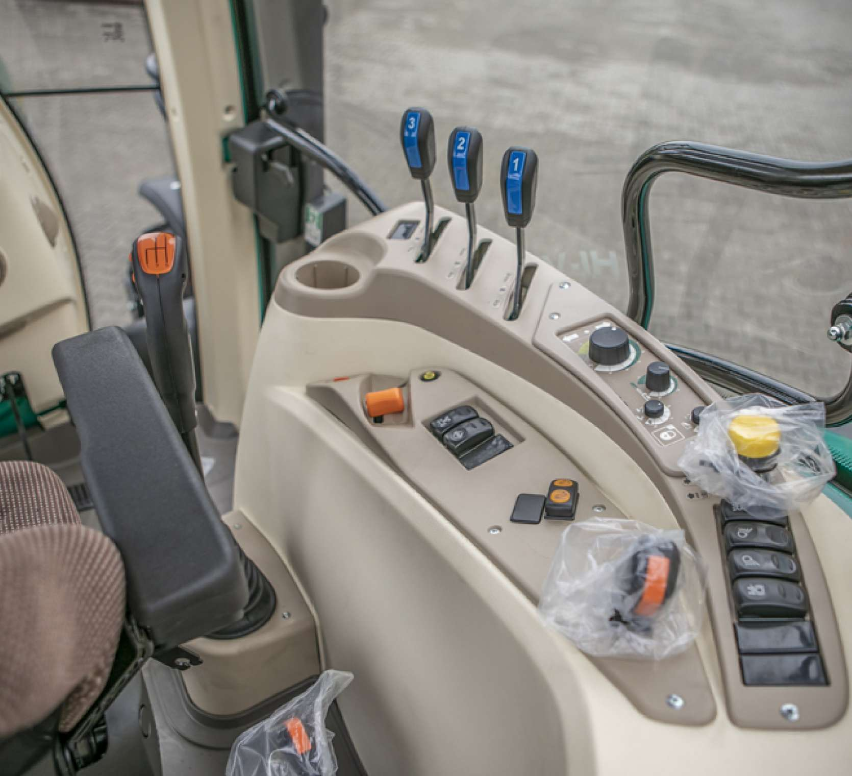 Panel sterowania w ciągniku arbos 5115 advanced