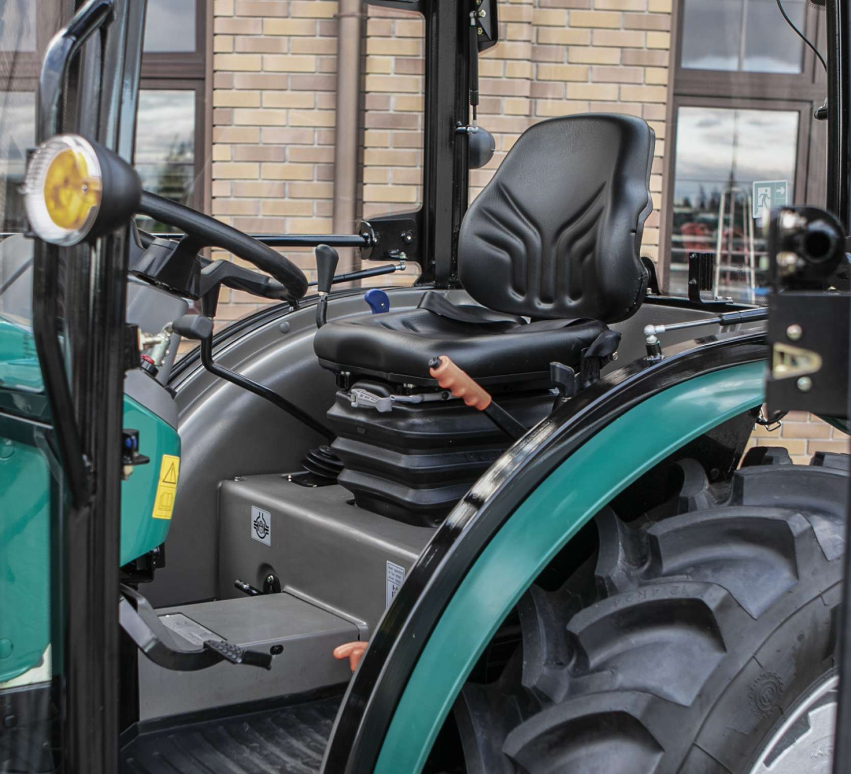 Komfort pracy w traktorach 2035 Arbos