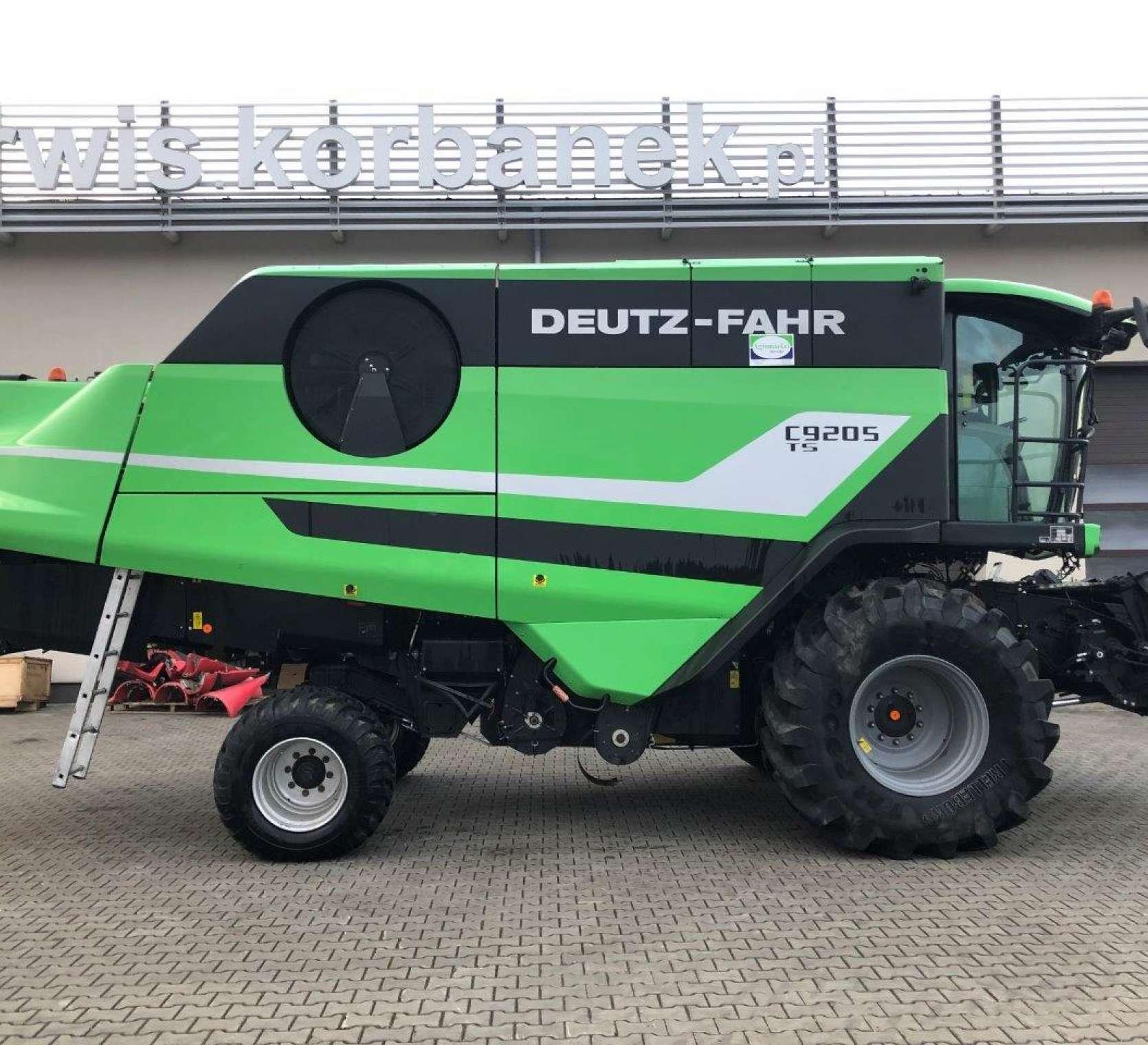 Deutz Fahr C9205TS prawy bok