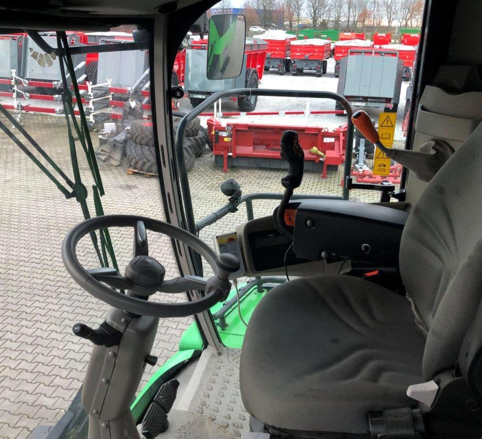 Deutz Fahr C9205TS kabina