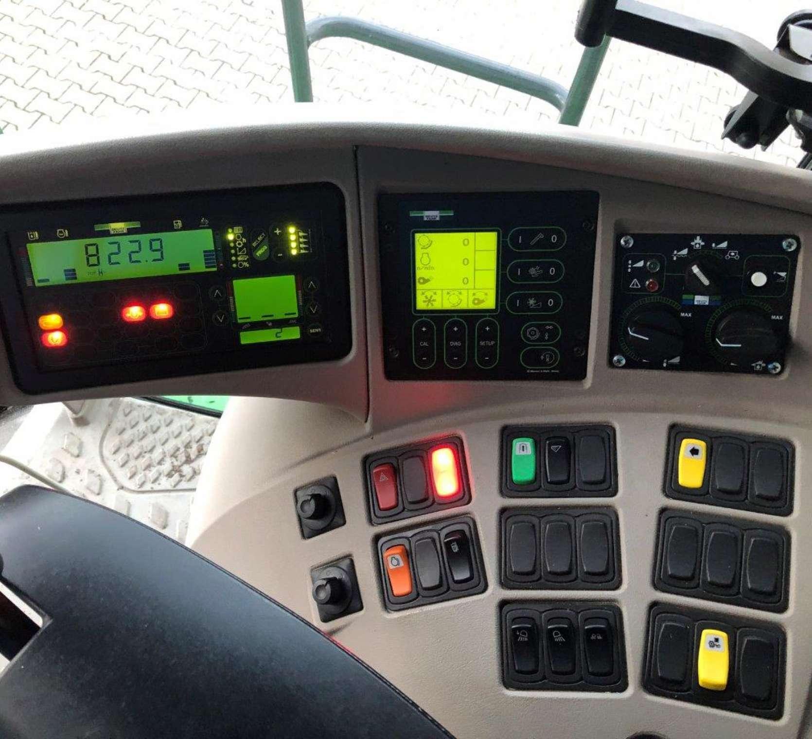 Deutz Fahr C9205TS panel operatora