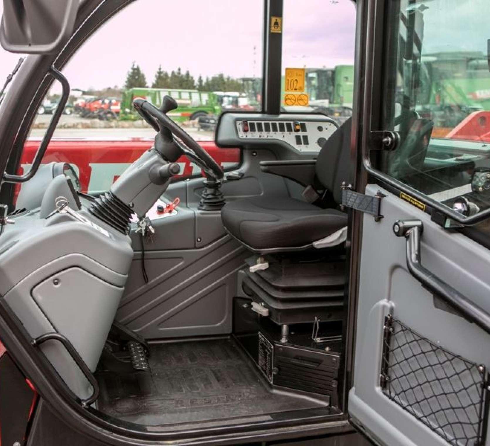 ergonomiczna kabina ładowarki Faresin