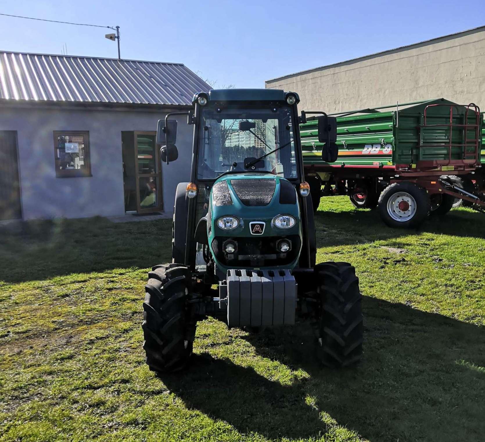 Arbos 4100AF wąski traktor sadowniczy