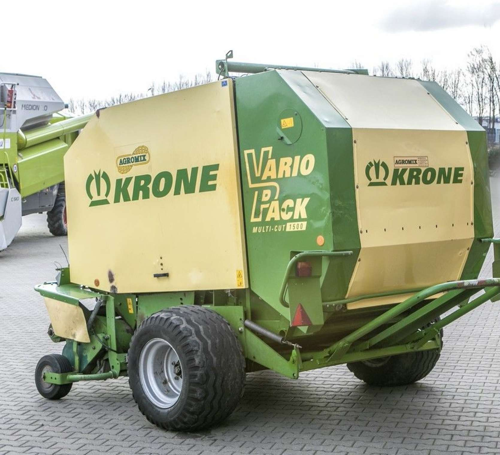 średnica balotów max 1500 mm prasa zwijająca Krone Vario Pack 1500 Multi Cut