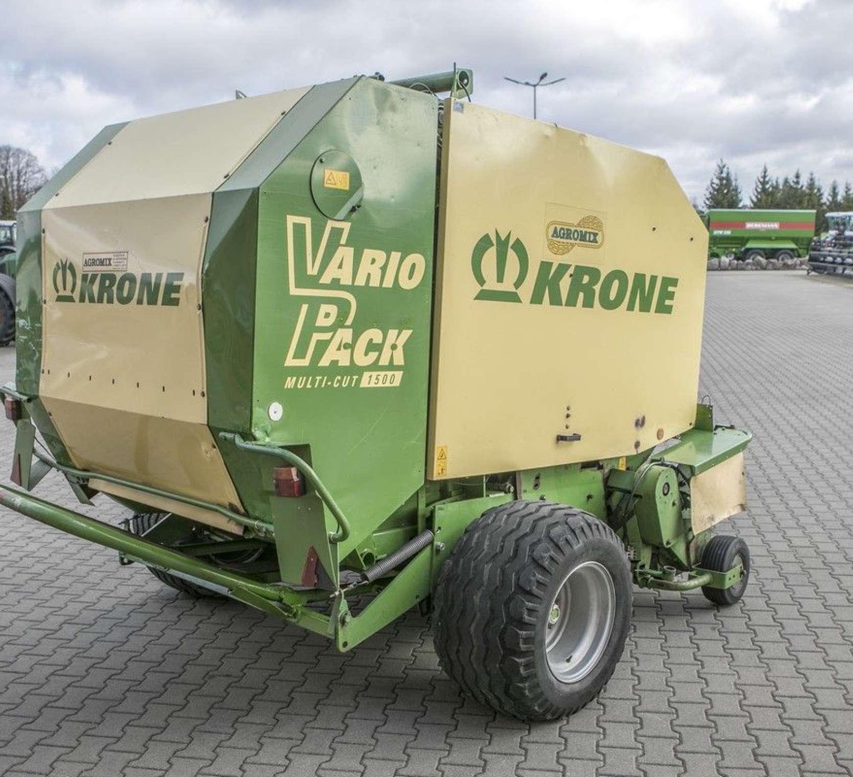 minimalne zapotrzebowanie mocy 50 KM prasa zwijająca Krone Vario Pack 1500 Multi Cut