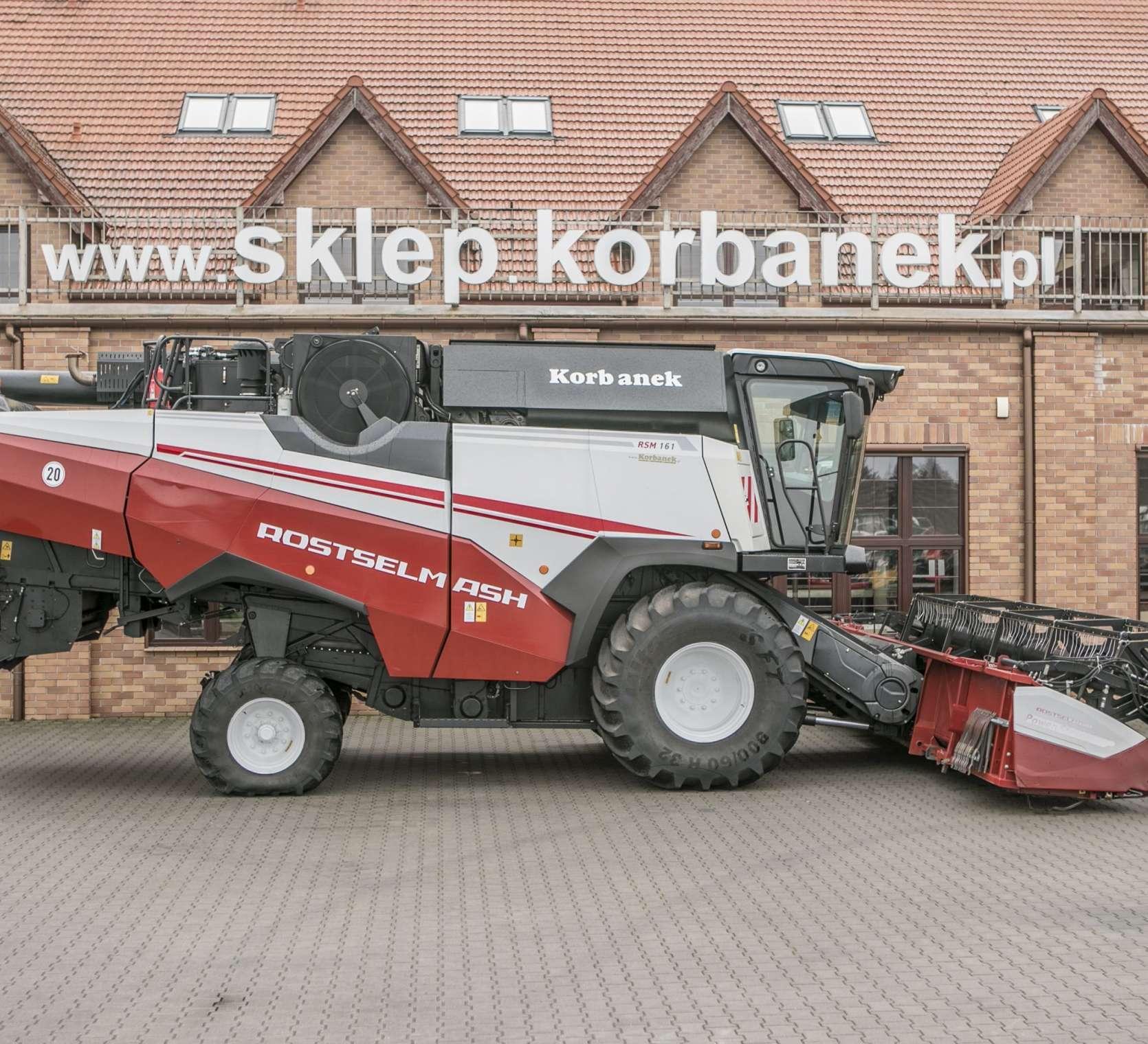 kombajn zbożowy Rostselmash RSM 161 widok z boku www.korbanek.pl