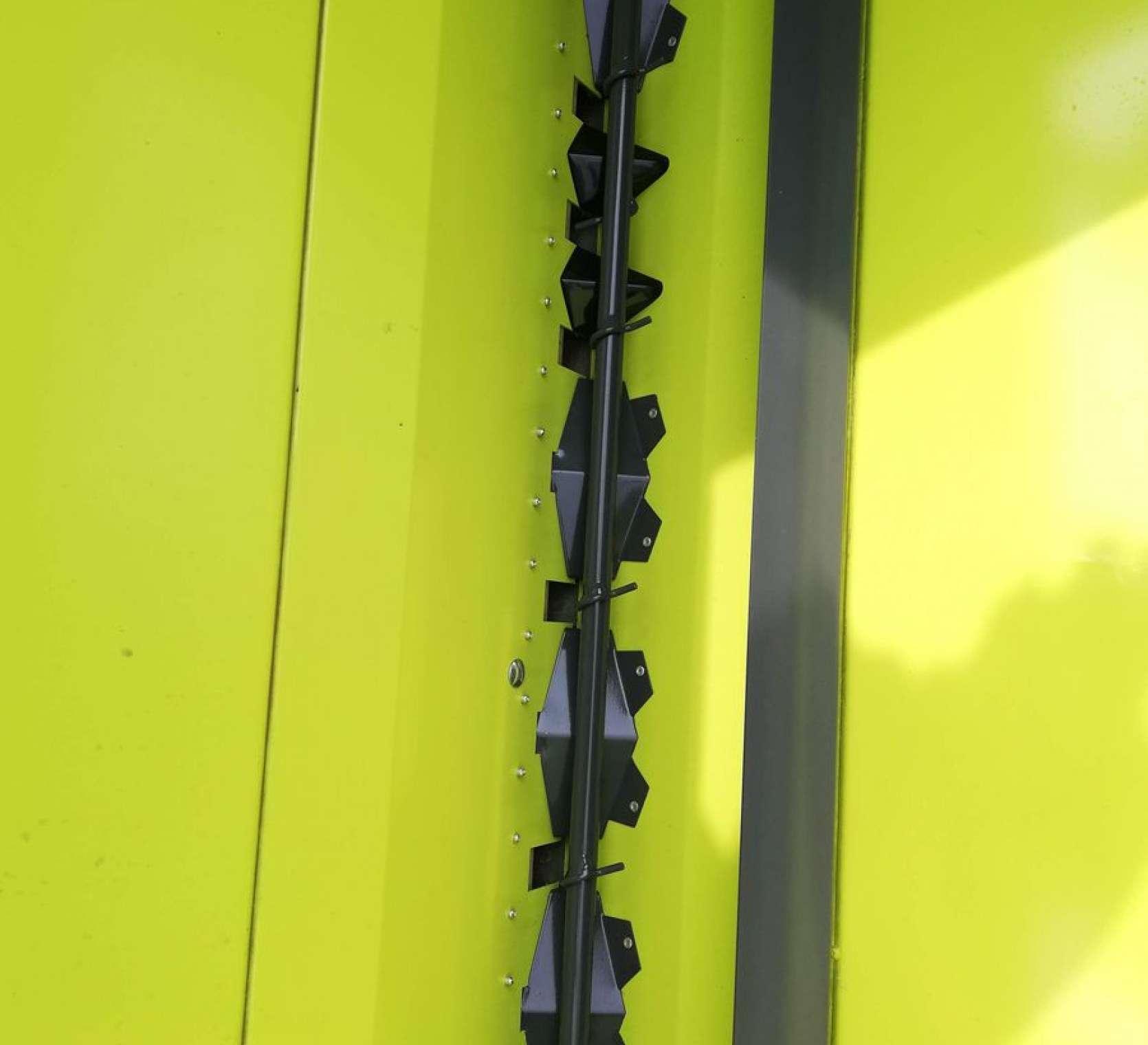 Mieszadło i pokrywa mieszadła w zbiorniku siewnika bezorkowego Sky Easydrill 3m Fertisem