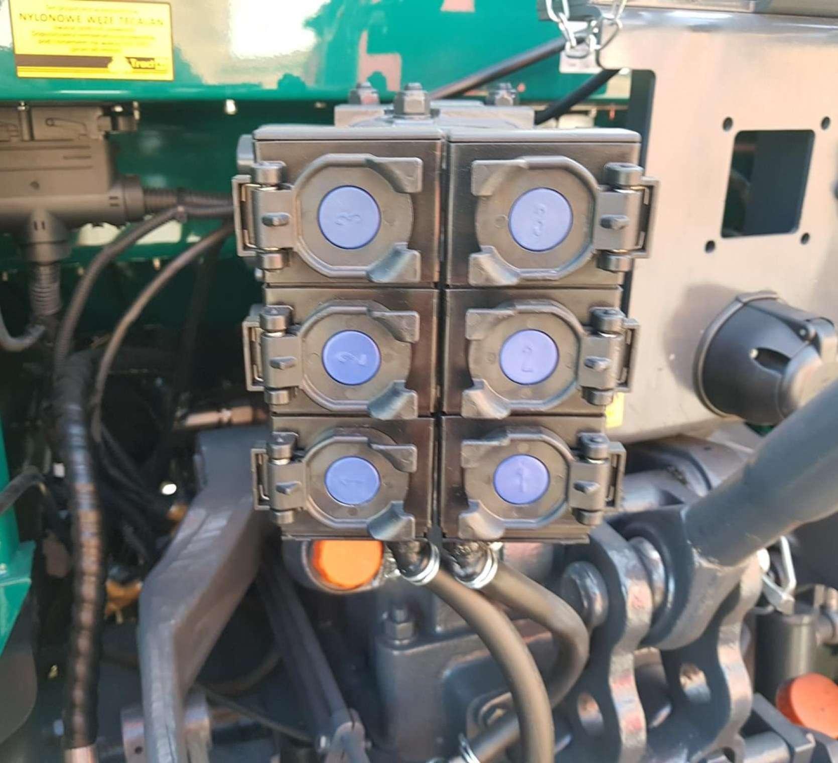 wyjscia hydrauliczne arbos 5115 global 3 pary w standardzie lacznik gorny