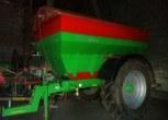 Używany rozsiewacz do wapna i nawozów mineralnych RCW 8200 Plus firmy Agromet Brezg