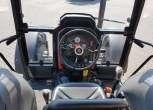 widok z kabiny w ciągniku Massey Ferguson 4709