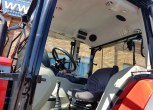 całe wnętrze kabiny Massey Ferguson 4709 Tier 4F kolumna kierownicza fotel operatora nowoczesna i komfortowa tylko od korbanek.pl