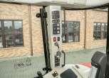 Bok kabiny ze znajdującym się tam panelem sterującym na słupku MF 5611 z oferty na korbanek.pl