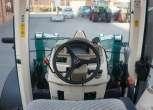 widok na kolumne kierownicza oraz to co widzi kierowca w przedniej szybie komfortowa kabina kierowcy arbosa